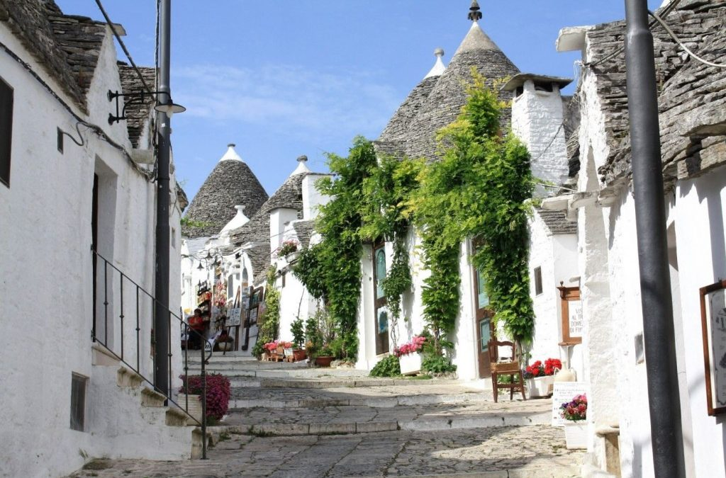 The Itria Valley symbols: Alberobello & Locorotondo